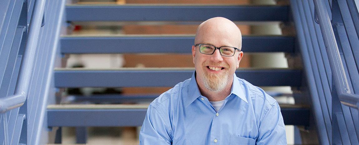 Header portrait Dr. DeWayne Shoemaker